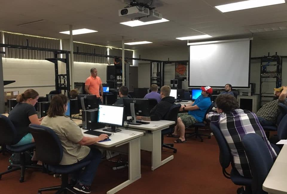 Moraine Park IT classroom with students