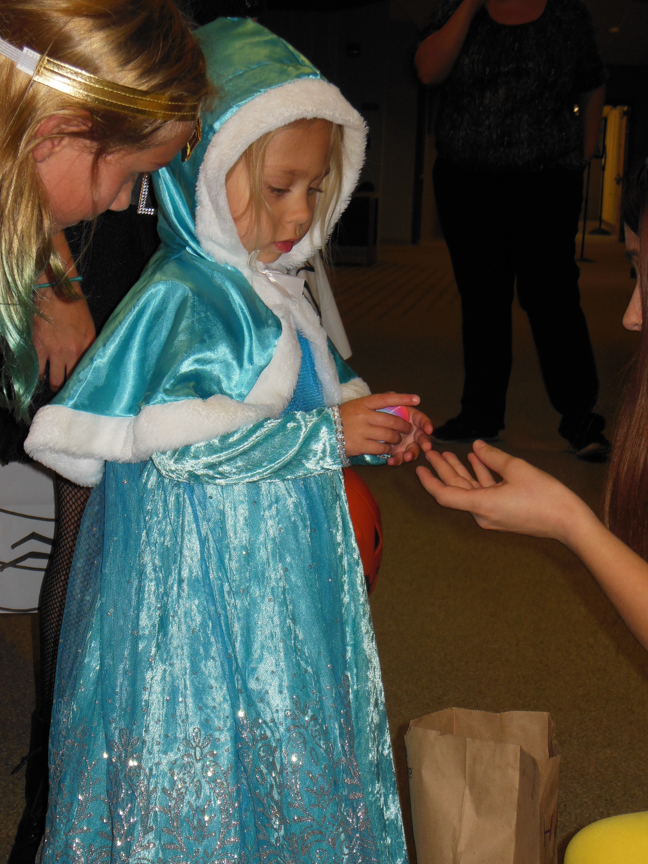 west-bend-childrens-halloween-party-2016-web-164