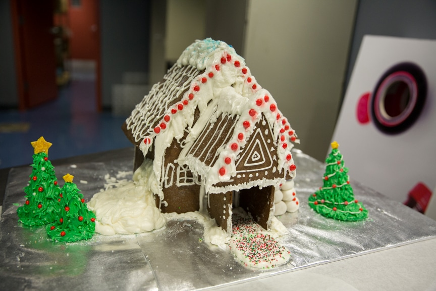 culinary-gingerbread-houses-december-2016-web-10