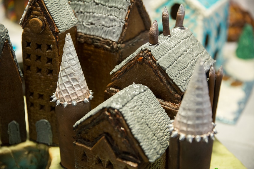 culinary-gingerbread-houses-december-2016-web-16