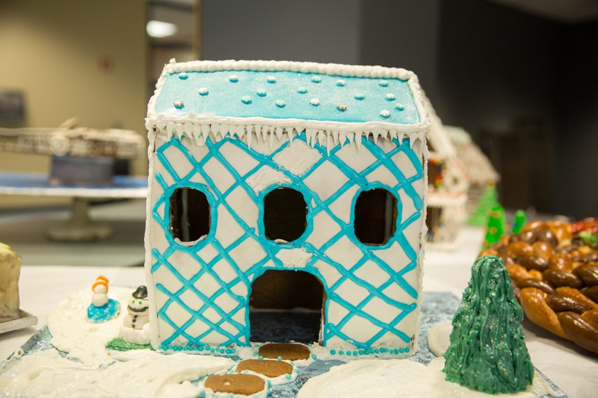 culinary-gingerbread-houses-december-2016-web-2