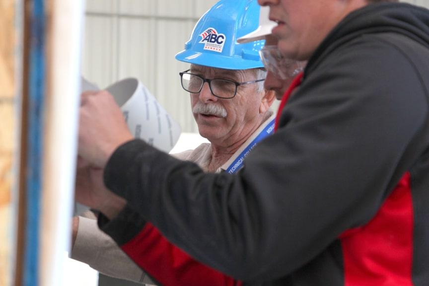 Apprentices work on building for veterans