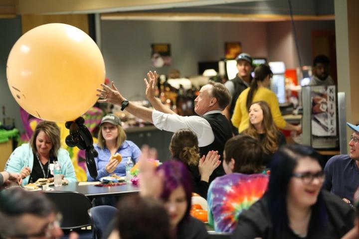 john cassidy tosses large balloon