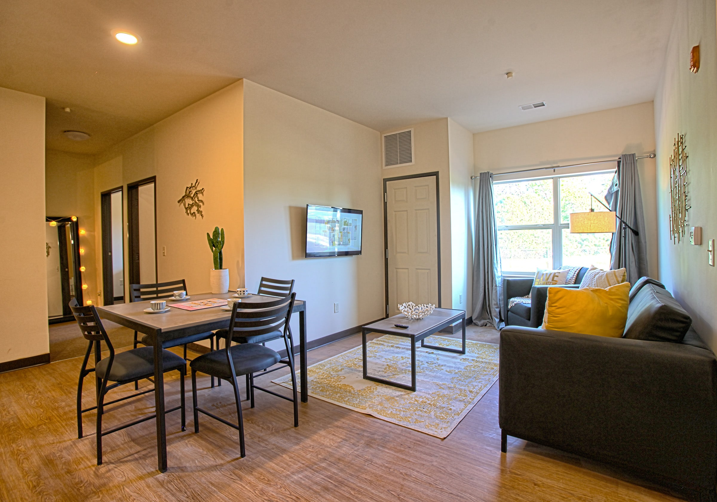 Vue campus living and dining room