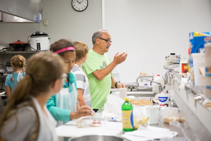 Instructor speaks to youth in Moraine Park Tech Knowledge College culinary course