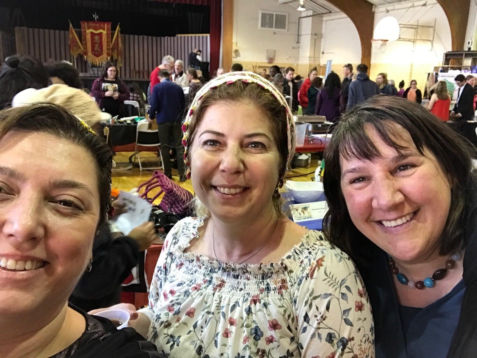 Esra, Mine, and Jennifer Elliott take a selfie together