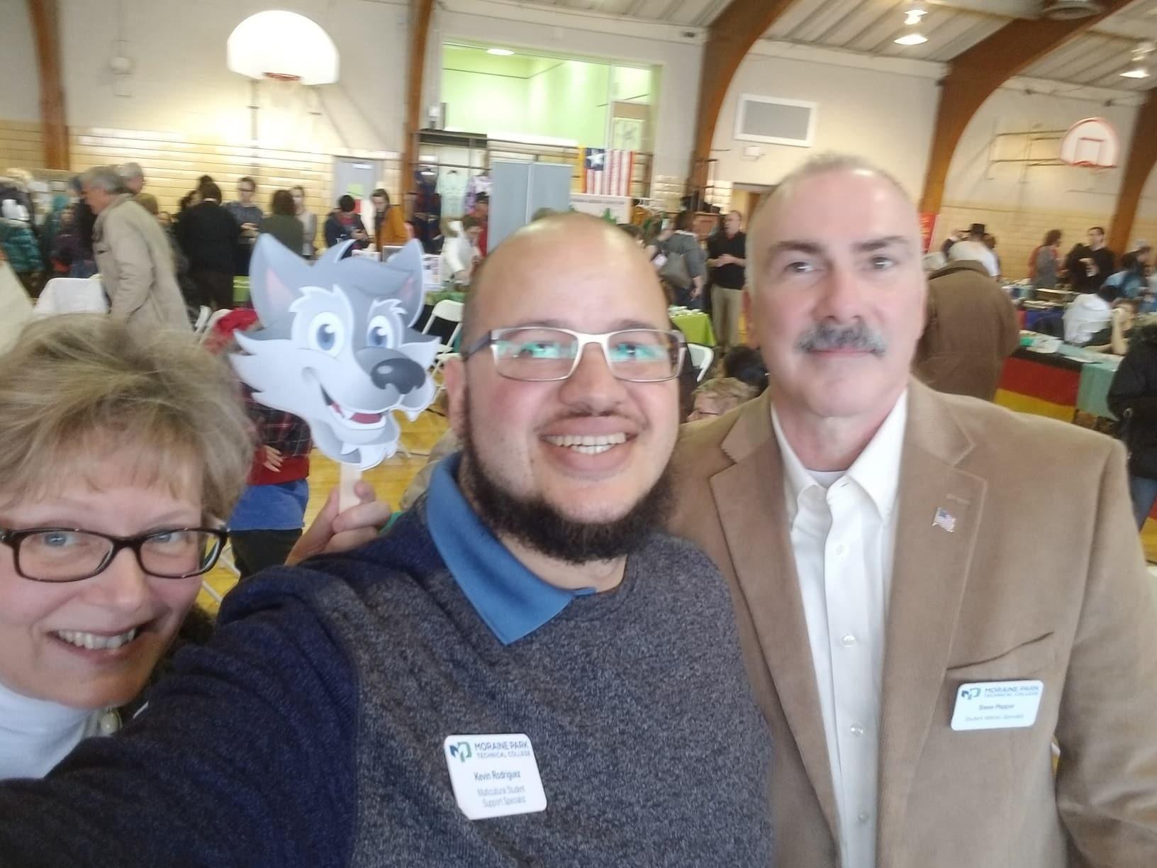 Anne Lemke, Steve Pepper, Kevin Rodriguez take a selfie