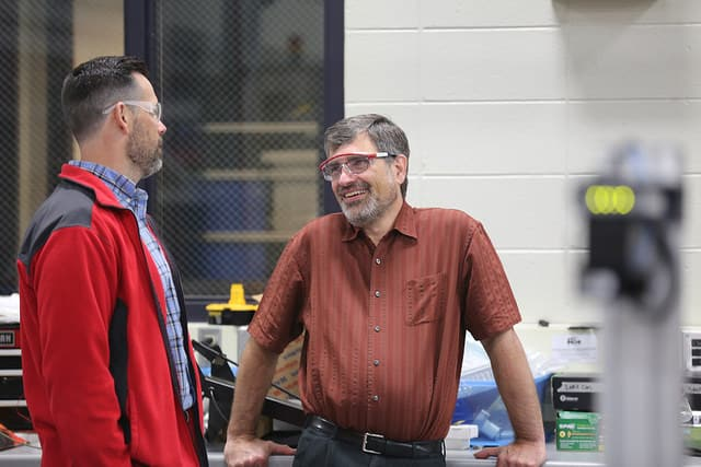 Instructor Jeff Quackenboss